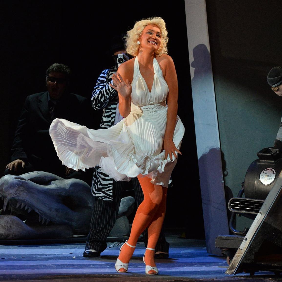 Rövidgatyás király, patkányfarkú Marilyn Monroe